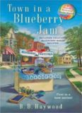 Town In a Blueberrry Jam (CANDY HOLLIDAY MYSTERY)